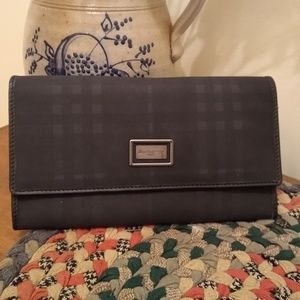 😍 Burberry Clutch Wallet NWOT Blue Check Large